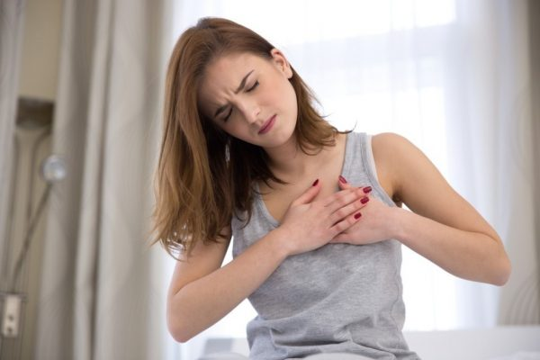 Плеврит и пневмония вызывают боль в области грудной клетки