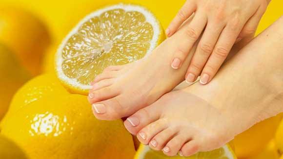 Лимонное масло также поможет в лечении грибка на ногтях