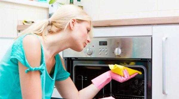 Как очистить духовку в домашних условиях