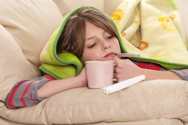 Ребенок чувствует упадок сил при ангине
