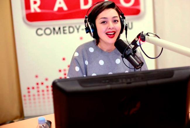 Работа на радио дается ей на славу