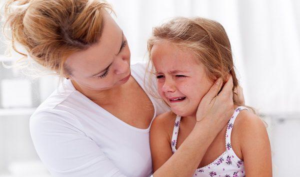 При плохом самочувствии ребенка вызывайте скорую помощь