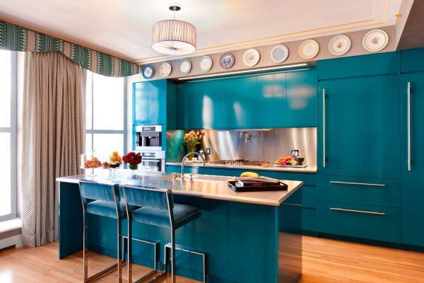 Красивая кухня в синих тонах