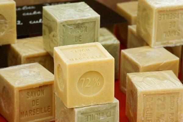 Хозяйственное мыло очистит жир в духовке