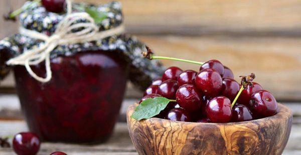 Как приготовить варенье из вишни с косточками