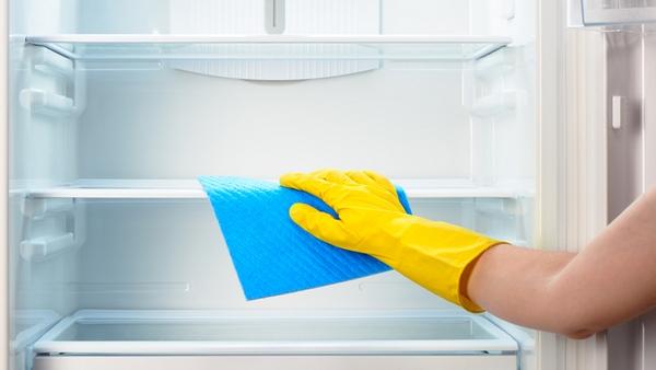Можно помыть холодильник кухонной содой