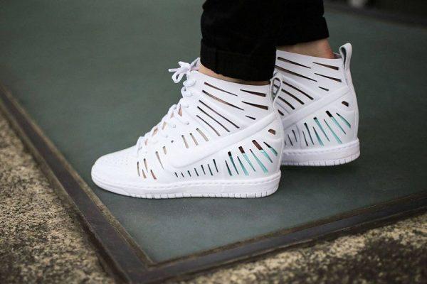 Модные перфорированные кроссовки