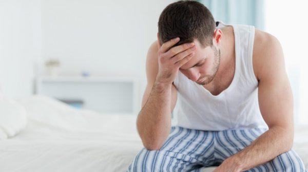 При аденоме простаты мужчина ощущает неприятный дискомфорт