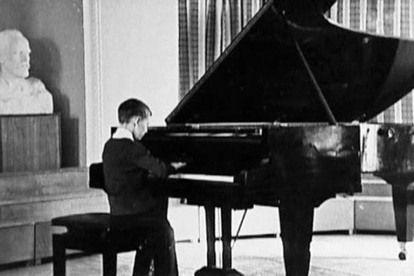 Андрей Державин в детстве