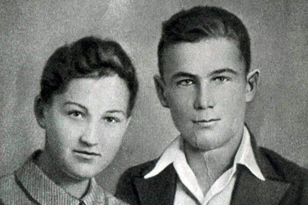 Зоя и Саша Космодемьянские