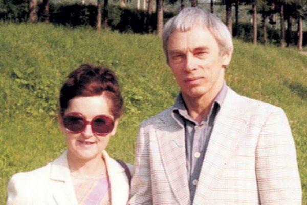 Женившись на Женевьеве Зацепин получил французское гражданство