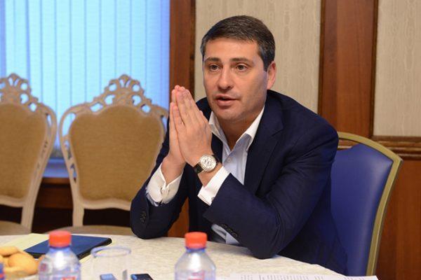 Старший сын Сергей Чемезов