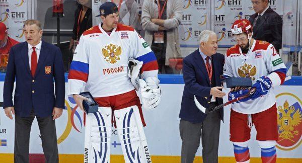 Владислав Третьяк, Василий Кошечкин, Владимир Юрзинов, Вячеслав Войнов (слева направо)