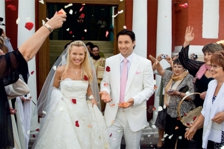 С женой Николь во время свадебного торжества