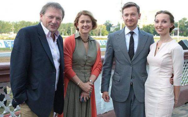 Борис Титов с женой и