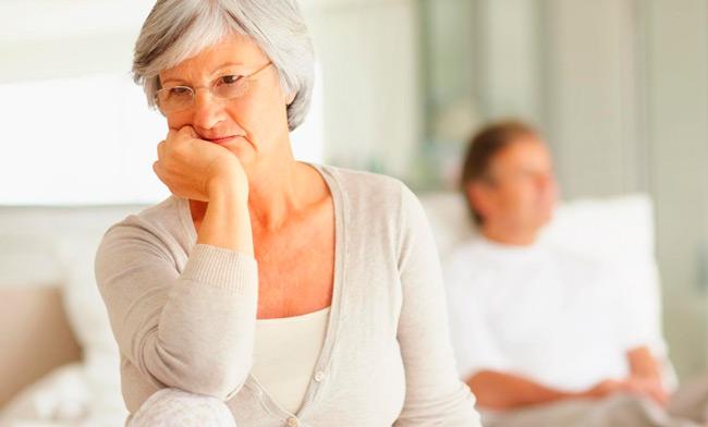 Запор у пожилых встречается очень часто