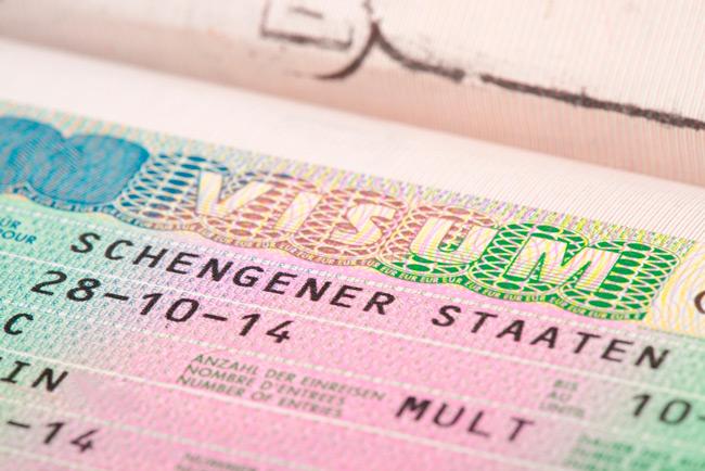 Оформляется виза для несовершеннолетних граждан в особенном порядке