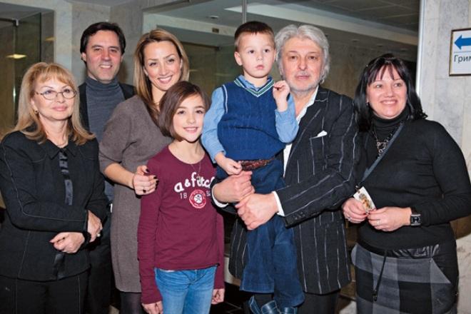 Вячеслав Добрынин со своей большой семьей