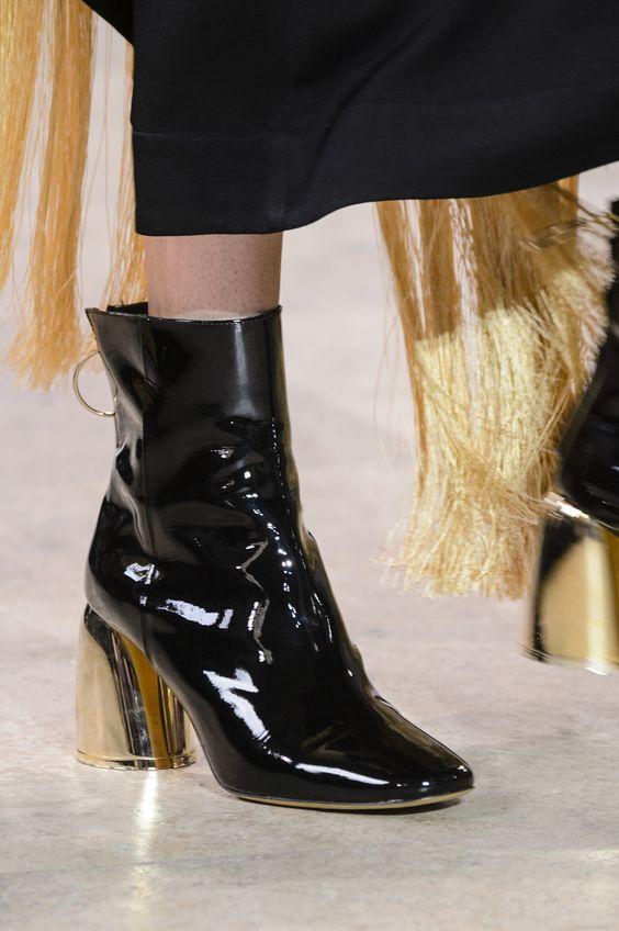 Классические цвета в обуви