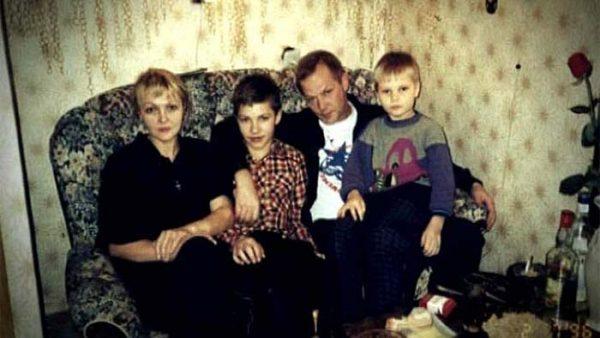 Марина Дюжева с мужем и детьми