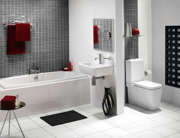 bianche-moderne-suite-bagno-idee-con-pareti-di-piastrelle