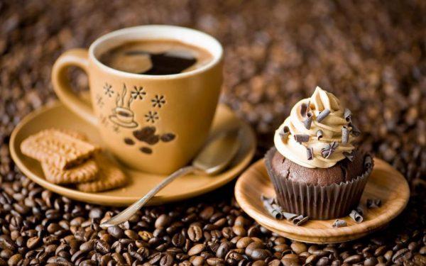 Одна чашка кофе в день с молоком или другими добавками не навредит вашему здоровью