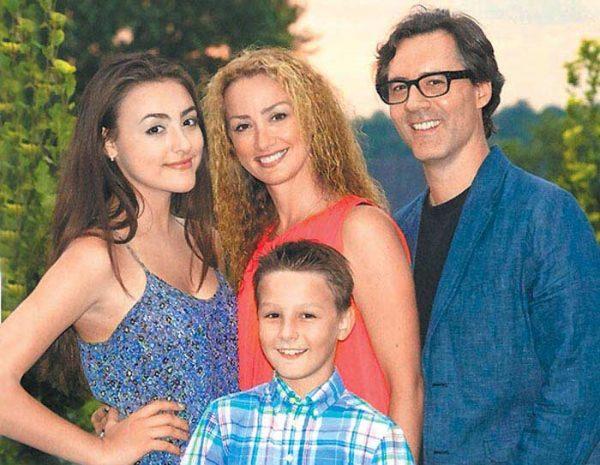 Дочь Вячеслава Добрынина Екатерина со своей семьей