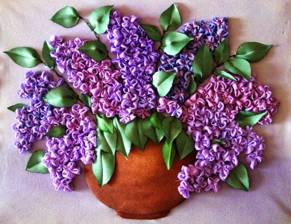 Букет цветов вышитый лентами