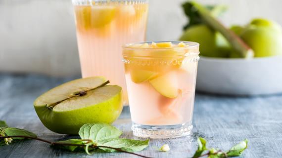 Как сварить вкусный яблочный компот