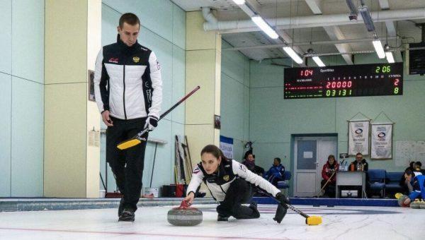 Россияне завоевали первую в истории медаль в керлинге