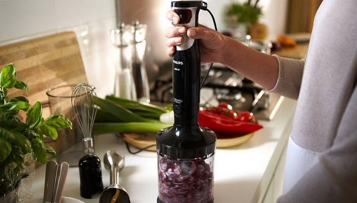 При помощи блендера можно измельчить овощи и фрукты