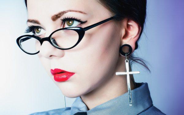 Модные очки каплевидной формы