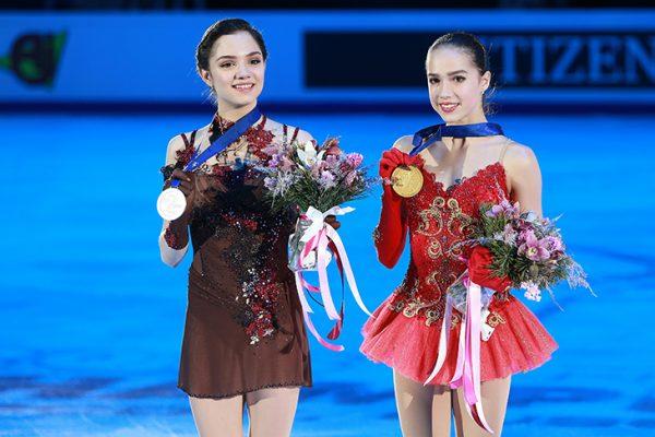 Алина Загитова и Евгения Медведева получили золотую и серебряную медаль