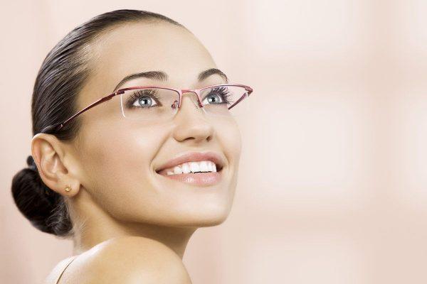 Модные очки без оправы