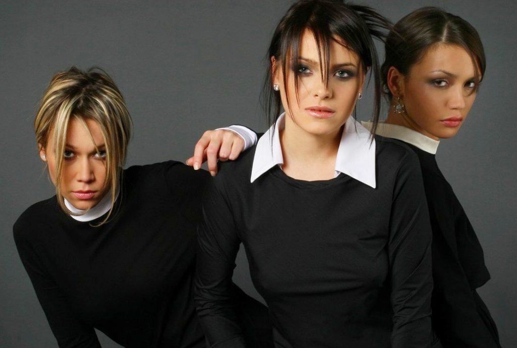 В начале карьеры группа использовала «закрытые» образы