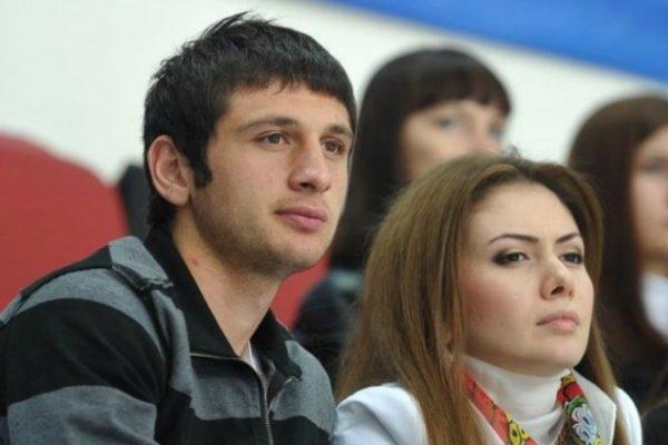 Алан Дзагоев с женой