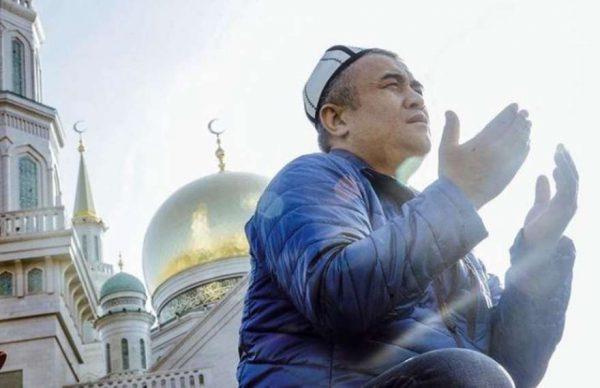 Во время торжества мусульмане должны совершить паломничество