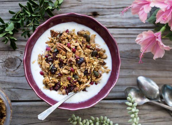 Предлагаем приготовить вкусный и полезный завтрак - гранолу.
