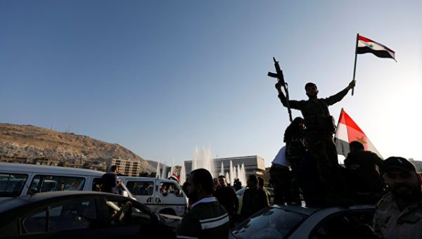 Сирийцы протестуют против воздушных ударов в США