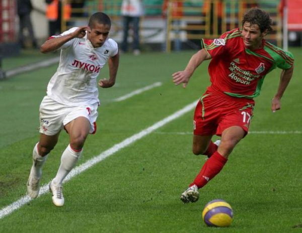 Футболист Дмитрий Сенников