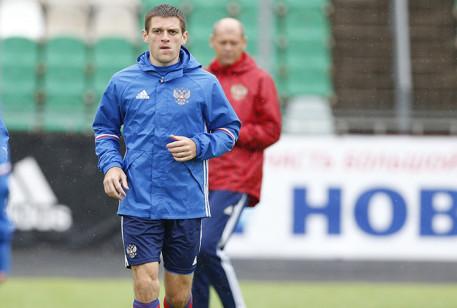 Футболист во время тренировки