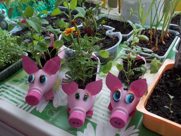 Огород на окне в детском саду: оформление в виде сказки, фото