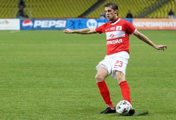 Дмитрий Комбаров забивает пенальти