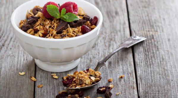 Что такое гранола и с чем ее едят