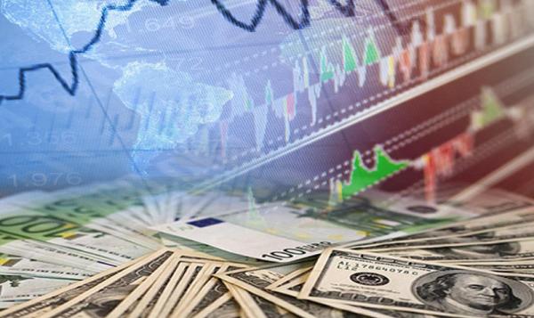 Население России в 2018 году будет беднеть пропорционально росту курса доллара