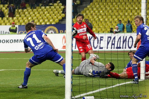 Саенко во время футбольного матча