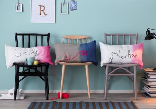 Декоративные подушки с надписями