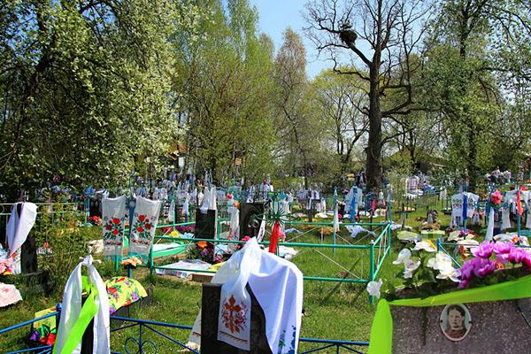 Когда посетить кладбище на Радоницу