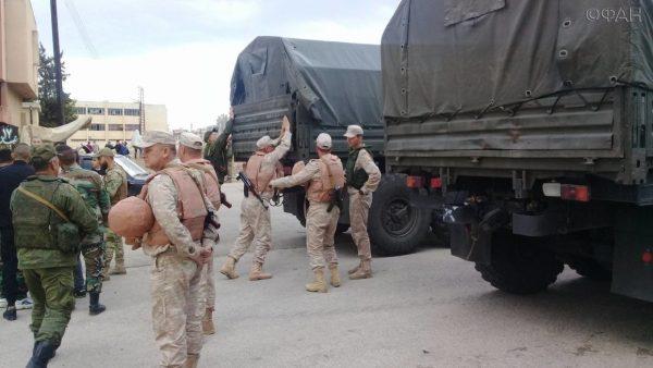 Российские военные доставили гумпомощь в Алеппо в Дейр-эз-Зор