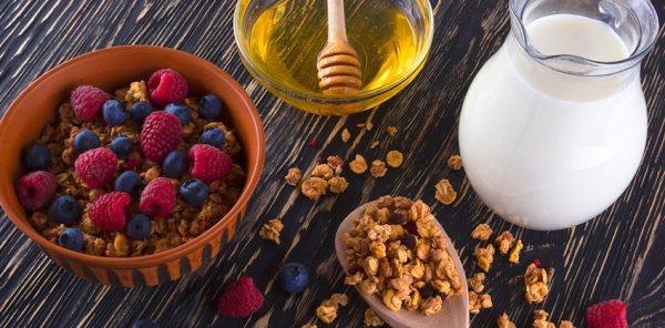 Как приготовить гранолу с фруктами